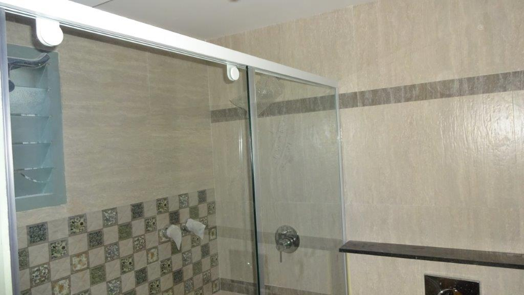 Stainox Shower Cubicle System and accessories